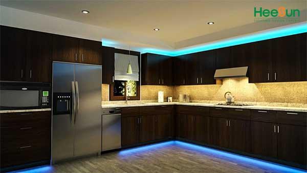 Cách lắp đèn led chiếu sáng cho tủ bếp